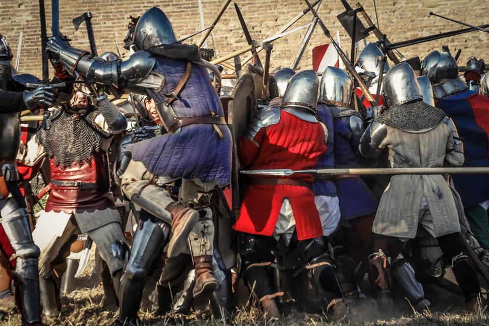 fotografia-storica-battaglia-medioevo-03